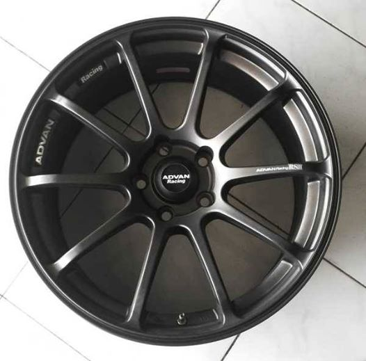 Jual Velg Mobil Advan RS Ring 18 Black murah | Flash Auto ...